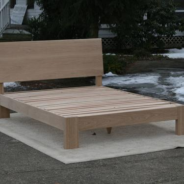 """ZCustom Half SL, 4 items,NcRnS03 King White Oak Bed, Slanted HB, thick posts, X9330A white oak 80""""x20""""x36""""; BT110Af 20""""x18""""x24"""", natural by SolidCherryHeirlooms"""