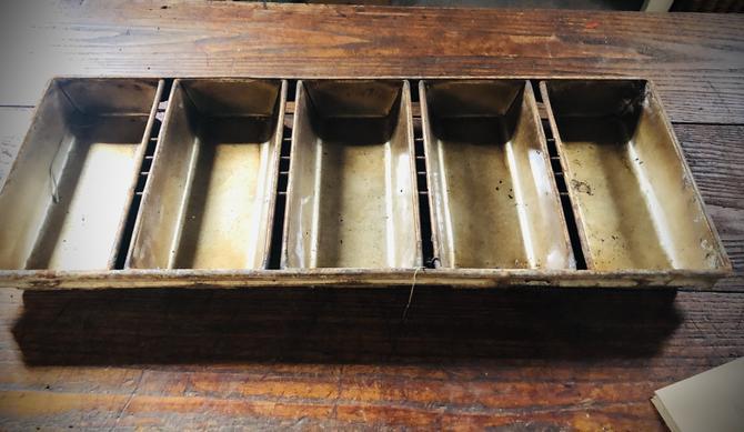 Metal Bread Tray