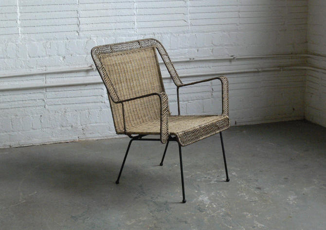 Mid Century Wicker and Wire Rod Lounge Chair In the Manner of Arthur Umanoff by CoMod