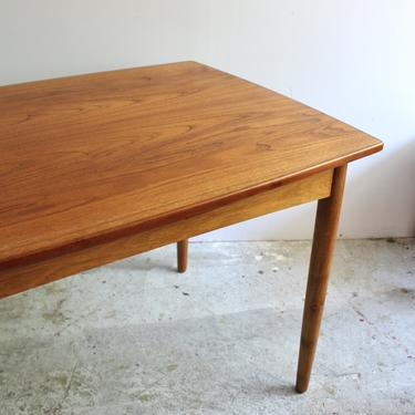 Danish Extension Dining Table in Teak & Oak