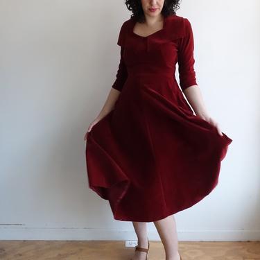 Vintage 50s Red Velour Dress/ 1950s Formal Maroon Dark Red Cocktail Dress/ Long Sleeves Full Skirt/ Size Medium by bottleofbread