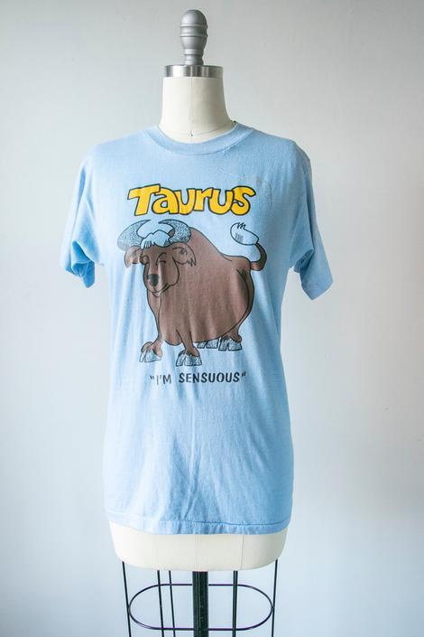 1970s T-Shirt Taurus Astrology Blue Tee S by dejavintageboutique