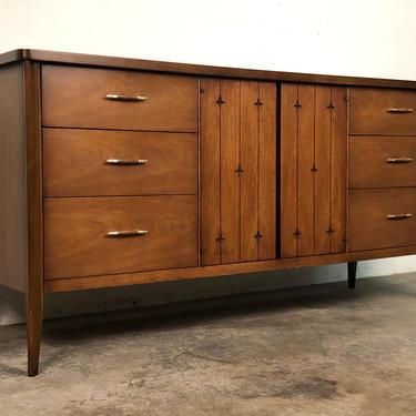Broyhill Saga Mid-Century Modern Walnut 6-Drawer Dresser With Atomic Stars by modernmidcenturyfurn