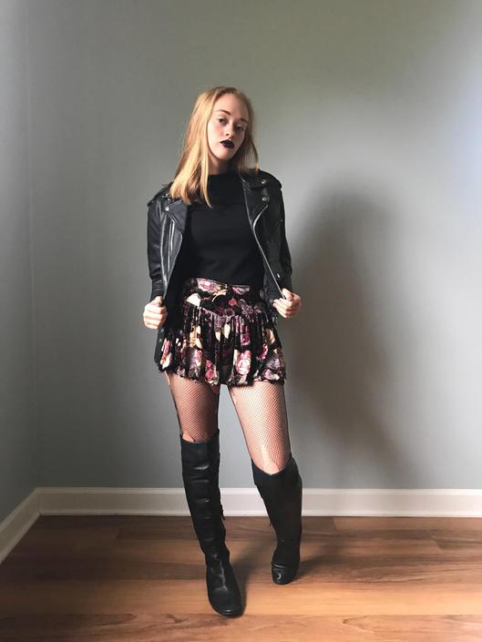 37f31ed7e Vintage 90s Grunge Floral Velvet Mini Skirt by SpeakVintageDC from ...
