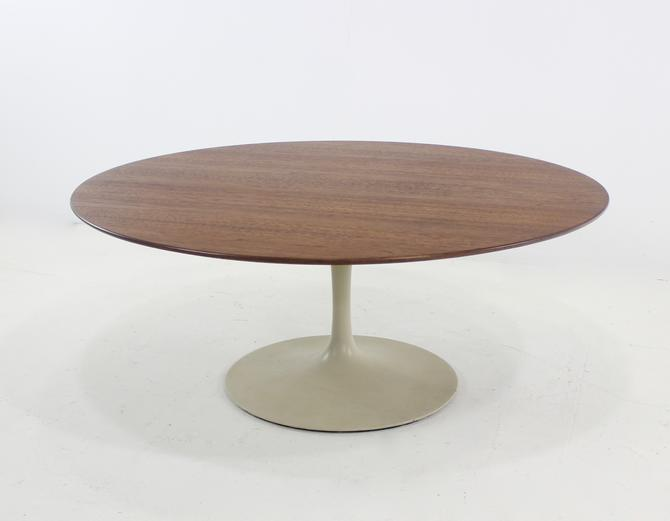 Mid-Century Modern Walnut Top Coffee Table by Eero Saarinen for Knoll
