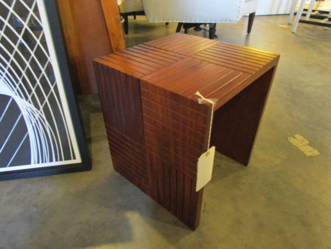 SMALL MODERN WOOD ACCENT TABLE