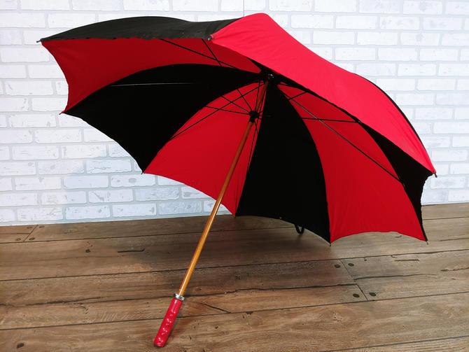 Vintage Red & Black Hunt Wilde Corporation Bike Bicycle Handle Cotton Fabric Umbrella by RedsRustyRelics