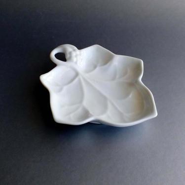 Porcelain trinket plate Lilian Vernon LEAF server Serving bowl Jewelry tray Vintage vanity collection by BelleCosine