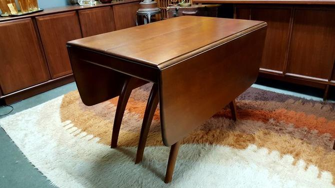 Wishbone Drop Leaf Dining Table With Two Additional Leaves By Heywood Wakefield