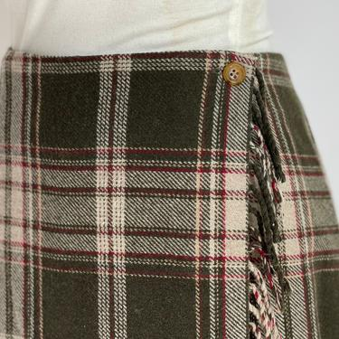 Retro Wool Blend Plaid Skirt Mossy Green Tan and Red Large by BeggarsBanquet