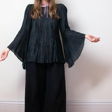 1970s Accordion Pleat Bell Sleeve Blouse / 70s Afghani Blouse by FemaleHysteria