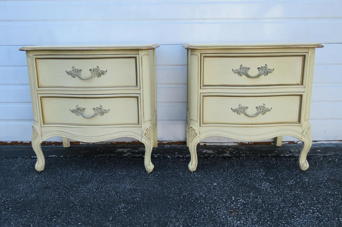 French Painted Serpentine Pair Nightstands Side Tables by Dixie 1584
