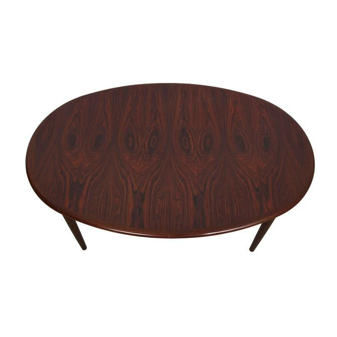 Stunning Danish Rosewood Large Oval Expanding Dining Table