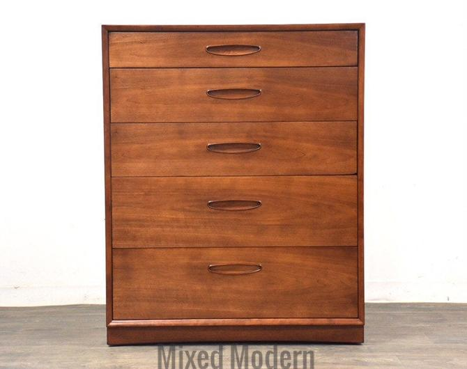 Henredon Circa 60' Walnut Dresser by mixedmodern1