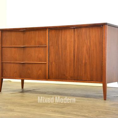 Foster McDavid Walnut Mid Century Credenza by mixedmodern1