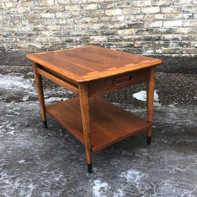 Lane Acclaim Accent Table With Drawer