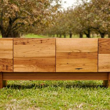 Chestnut St. Console