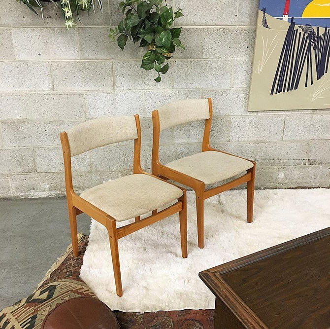 LOCAL PICKUP ONLY Vintage Wood Chairs Retro 1980s Mid Century Modern Light Brown Frames with White Tweed Seat + Back Set of 2 Matching by RetrospectVintage215