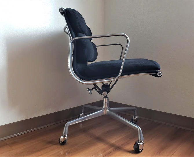 Charles Eames for Herman Miller Soft Pad Management Chair by WrightFindsinMCM