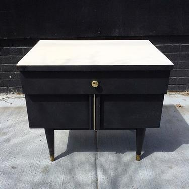 Midcentury mod end table or night stand.