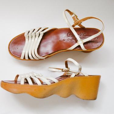 70s rare famolare wavy platform sandals - size 7 by foganddriftwood