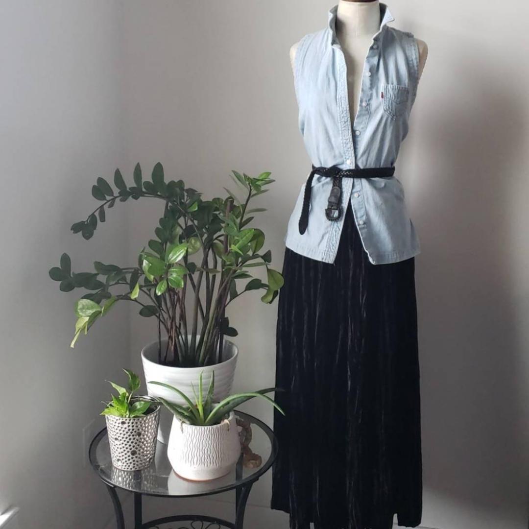 108e344a74e2f5 Full Length Pleated Maxi Skirt | Huston Fislar Photography