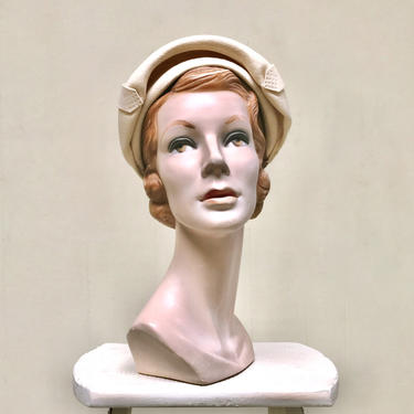 Vintage 1950s Beige Clamshell Hat, Eva Mae Wool Felt Cloche, Mid-Century Bonnet, 50s Accessories by RanchQueenVintage