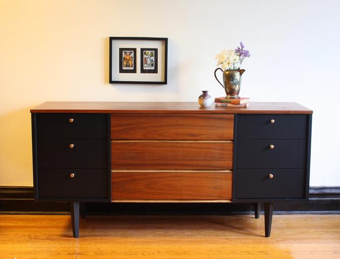 Black and Wood Mid Century Modern Dresser//Vintage MCM Media Console//Vintage Modern Dresser//Refinished Credenza/Sideboard/Buffet by RavenswoodRevival