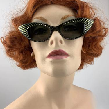 Vintage 1950'S Cat Eye Sunglasses - Sunburst Stripes - HOLIDAY by Art Craft - Original Melo Ray Tempered Glass Lenses - Optical Quality by GabrielasVintage