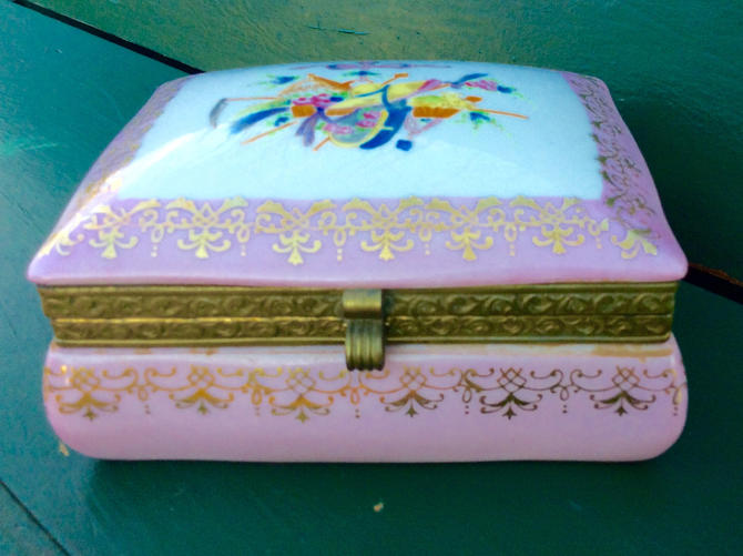 Antique porcelain dresser box or trinket box; hand paint with floral motif by LazyCamel