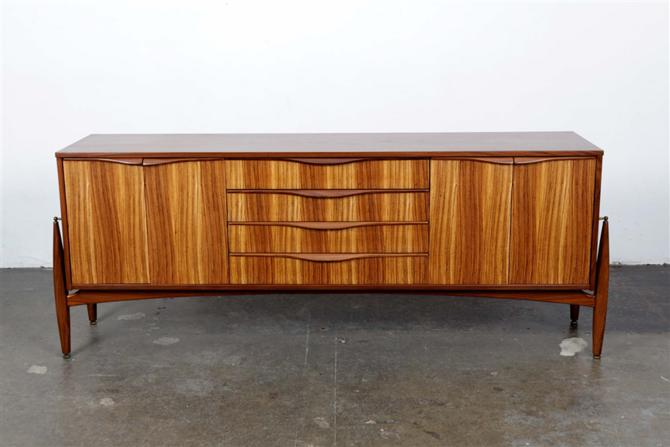 sideboard 4910