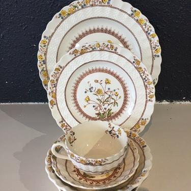 SPODE Buttercup Imperialware 7 piece Place Settings Stamp Colorful Plate Setting