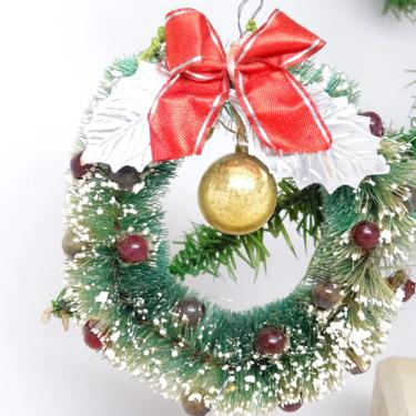 1940's Sisal Bottle Brush Christmas Wreath, Vintage with Mercury Glass Ornament, Foil Leaves by exploremag