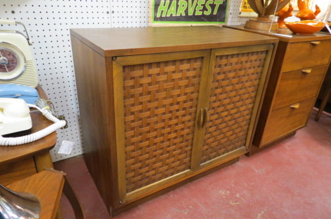 Vintage MCM Lane Perception 2 door cabinet