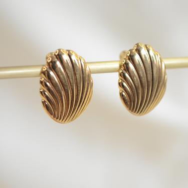 gold seashell ear stud earring, seashell earring, gold seashell earring, seashell studs, gold seashell studs, gold small shell ear stud by MelangeBlancDesigns
