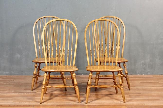 Set of 4 Round-Back Windsor Dining Chairs – ONLINE ONLY