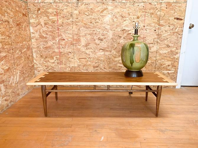 Lane acclaim coffee table by FrankiesVintageTrunk