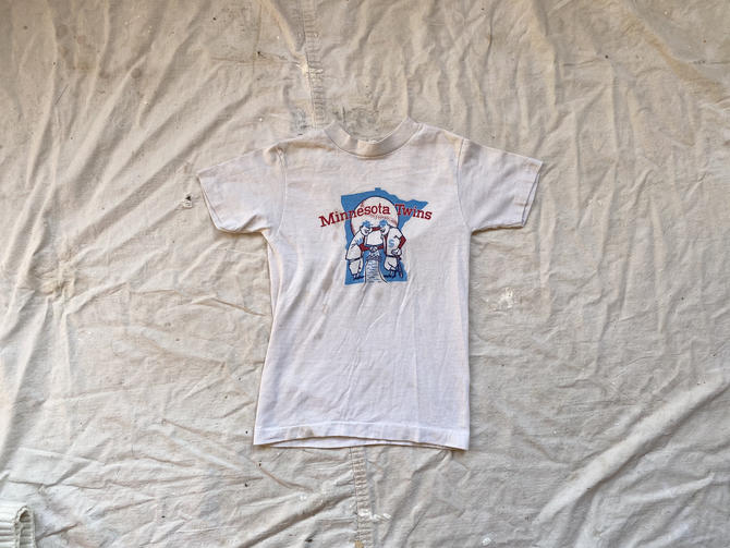 Vintage 1970s Minnesota Twins Thrashed Kids T Shirt by NorthGroveAntiques