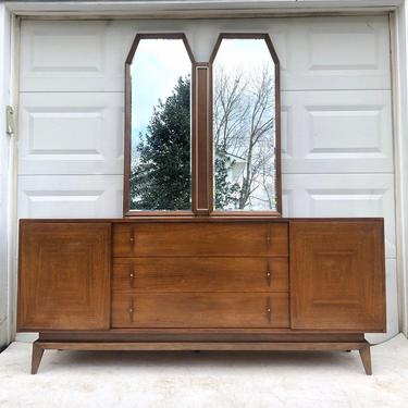 Mid-Century Modern Dresser with Mirror by American of Martinsville by secondhandstory