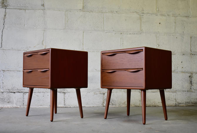 Mid Century Modern TEAK NIGHTSTANDS end tables by CIRCA60