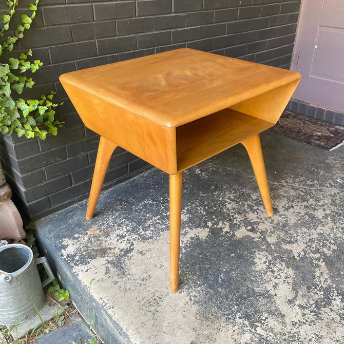 1950s Heywood Wakefield Side/End Table for Sofa or Sectional Vintage Md-Century Modern by BrainWashington