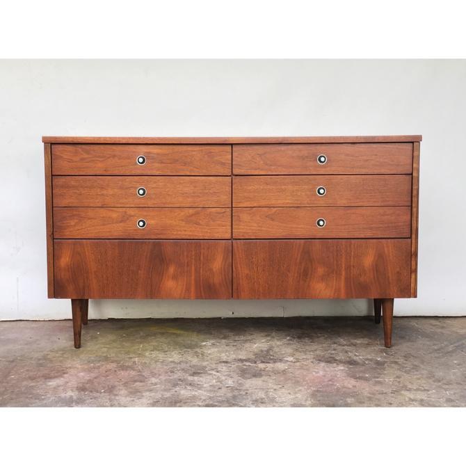 Bassett Mid Century Long Dresser
