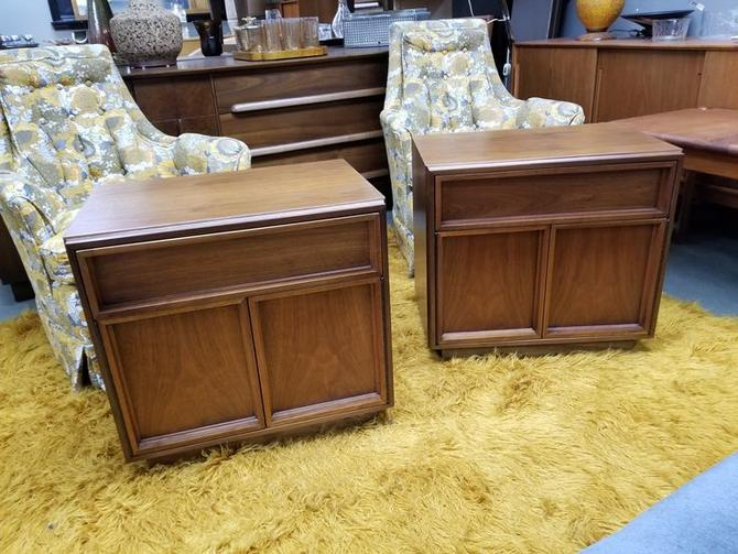 Pair of Mid-Century Modern walnut nightstands by Brown and Saltman