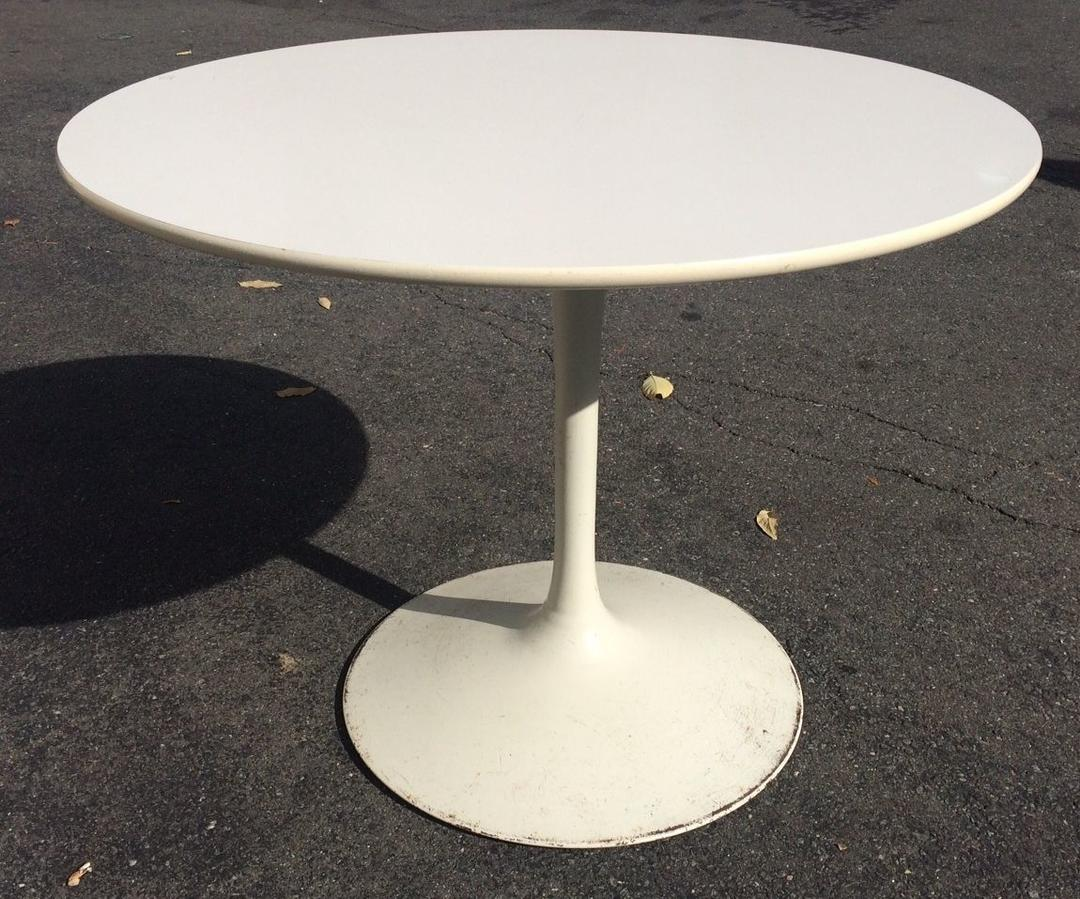 Vintage Midcentury 42 Quot White Tulip Dining Table Mcm