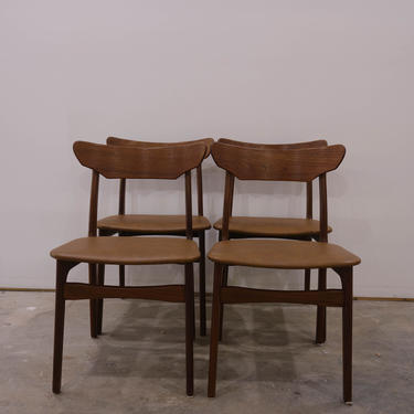 Set of 4 Vintage Danish Modern Schionning & Elgaard Dining Chairs by FarOutFindsNYC