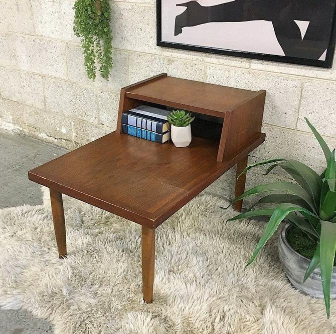 LOCAL PICKUP ONLY ------------- Vintage mcm End Table by RetrospectVintage215
