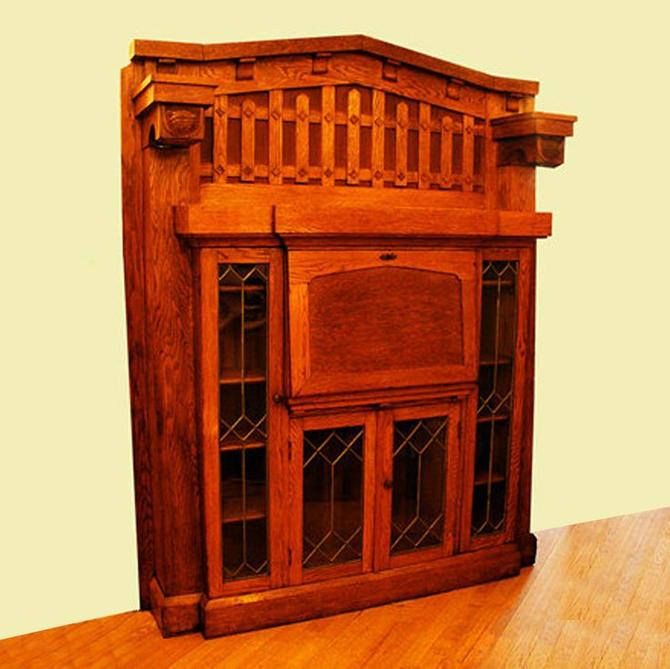 Arts and Crafts solid oak library desk mantel with original finish