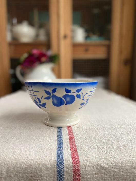 Beautiful rare find vintage French cafe au lait bowl-PCB by Grainsacfrenchvintag