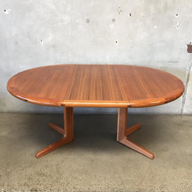 Mid Century Teak Danish Modern Style Dining Table w Leaves