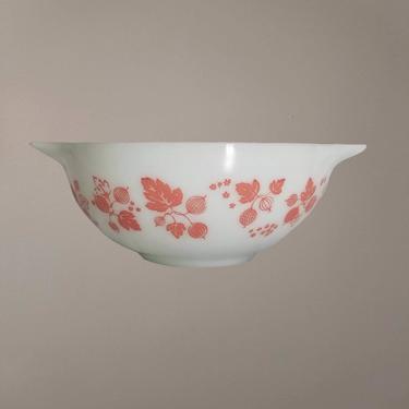 Vintage Pyrex Mixing Bowl / Pink Gooseberry Cinderella Bowl 443 / Pink on White 1/2 Quart Nesting Bowl / 1950s 1960s Vintage Kitchenware by SoughtClothier